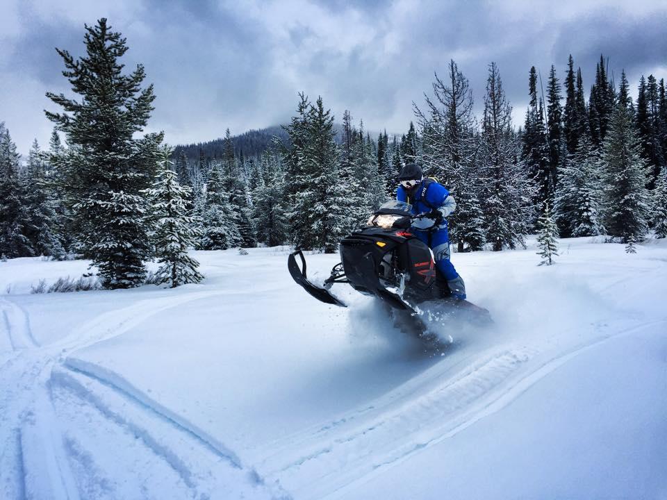 Motor Sledding – AKA Snowmobiling 2015